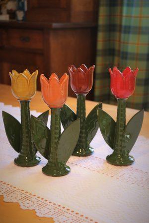 Tulipán s listy – svícen velký, v 23 cm