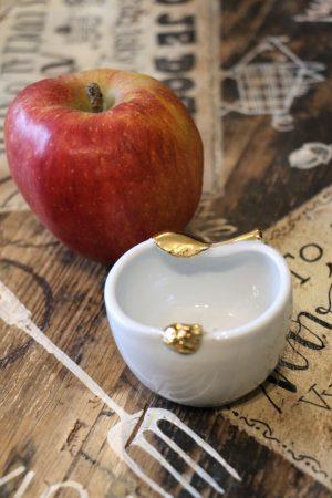 Jablko porcelánové, malé, zlacené, 6 cm
