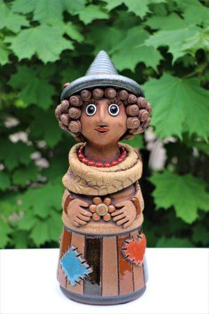 Čarodějnice větší v klobouku, v 27 cm