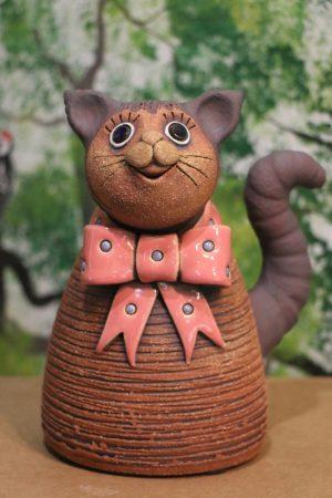 Kočka střední s mašlí, v 18 cm